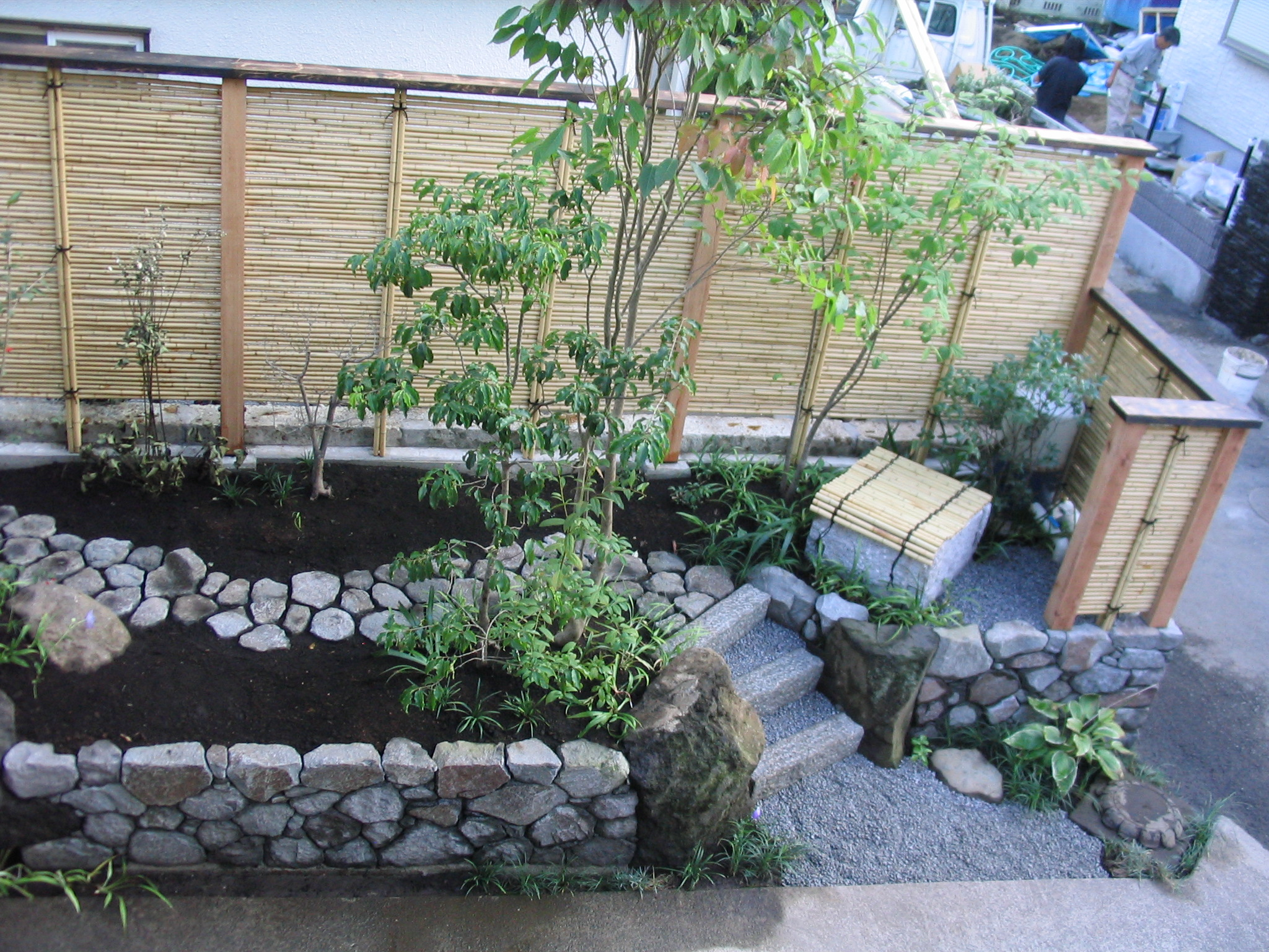 リフォーム 竹垣と小径の小さなお庭